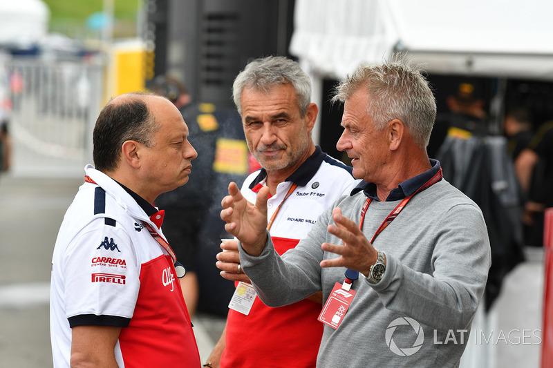 Frederic Vasseur, directeur de Sauber, avec Beat Zehnder, manager de Sauber et Eje Elgh, Manager