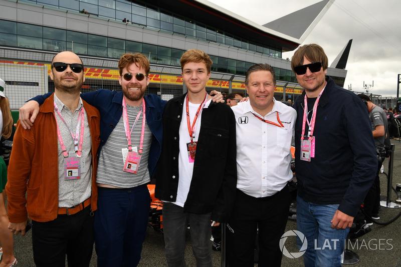 Kaiser Chiefs y Zak Brown, McLaren director ejecutivo