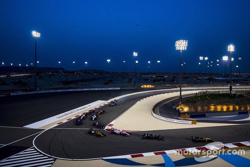 Nico Hulkenberg, Renault Sport F1 Team RS17, Romain Grosjean, Haas F1 Team VF-17, Esteban Ocon, Force India VJM10, Jolyon Palmer, Renault Sport F1 Team RS17
