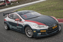 El Tesla Model S P85+ en Montmeló
