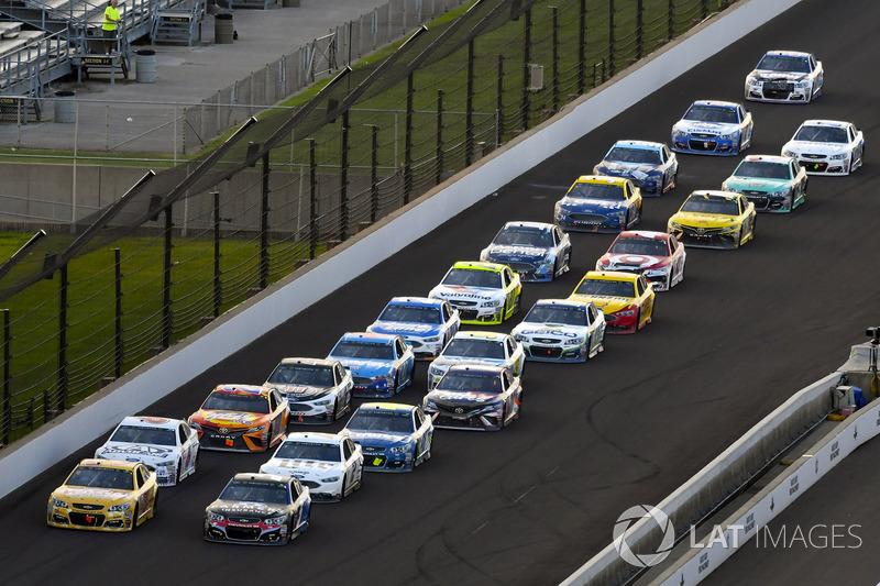 Ryan Newman, Richard Childress Racing Chevrolet, Kasey Kahne, Hendrick Motorsports Chevrolet