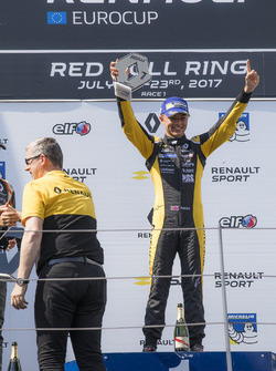 Podio: ganador de la carrera Max Fewtrell, Tech 1 Racing