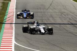Lance Stroll, Williams FW40, Marcus Ericsson, Sauber C36