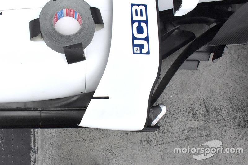 Williams FW40 detail van de zijkant