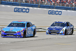 Aric Almirola, Richard Petty Motorsports Ford and Danica Patrick, Stewart-Haas Racing Ford