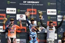 Il podio della classe MXGP: Jeffrey Herlings, Antonio Cairoli e Gautier Paulin