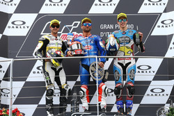 Podium: deuxième place de Thomas Luthi, CarXpert Interwetten, le vainqueur Mattia Pasini, Italtrans Racing Team, troisième place pour Alex Marquez, Marc VDS