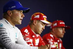 Basın toplantısı: Pole: Sebastian Vettel, Ferrari, 2. Kimi Raikkonen, Ferrari, 3. Valtteri Bottas, Mercedes-Benz F1