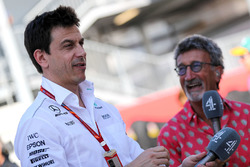 Toto Wolff, Mercedes AMG F1 Director of Motorsport, Eddie Jordan, Channel 4 F1 TV