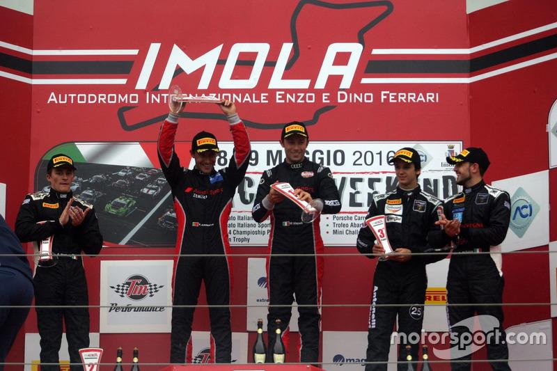 Podio GT3: Zonzini-Russo, Audi Sport Italia, Audi R8LMS-GT3 #58, Monfardini-Valori, Cars Engineering, Lamborghini Gallardo GT3 #61, Venerosi-Baccani, Ebimotors, Porsche 911 GT3 R #88