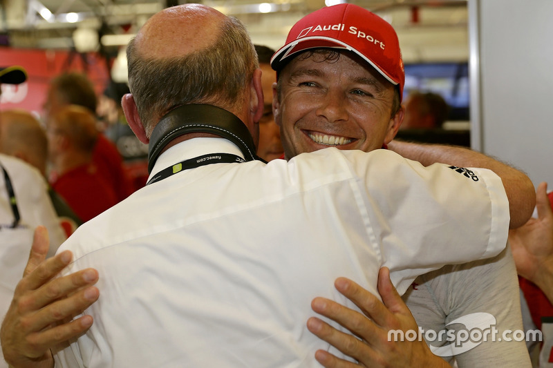 Dr. Wolfgang Ullrich, Audi-Motorsportchef; Polesitter Marcel Fässler, Audi Sport Team Joest