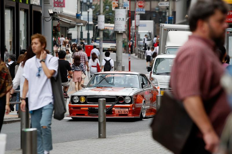 دانيال ريكاردو، ريد بُل وماكس فيرشتابن، ريد بُل يقودون سيارة فى طوكيو فى اليابان