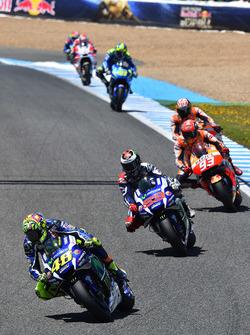 Валеентино Росси, Yamaha Factory Racing лидирует на старте