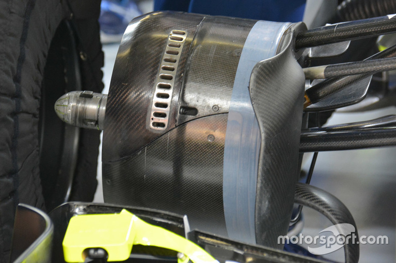 Williams FW38, Frontpartie-Detail