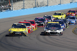 Re-start, Carl Edwards, Joe Gibbs Racing Toyota and Kevin Harvick, Stewart-Haas Racing Chevrolet