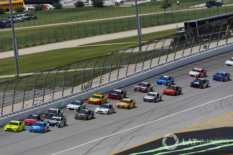 Paul Menard, Wood Brothers Racing, Ford Fusion Menards / Sylvania e Ryan Blaney, Team Penske, Ford Fusion PPG