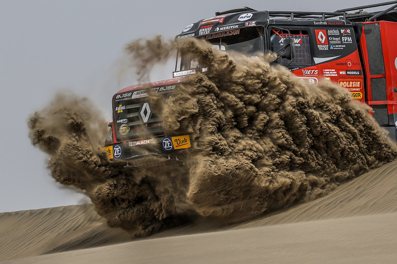 3. #506 Renault: Martin van den Brink, Wouter Rosegaar, Daniel Kozlovsky