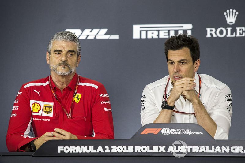 Maurizio Arrivabene, Ferrari Team Principal and Toto Wolff, Mercedes AMG F1 Director of Motorsport i