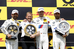 Podio: il vincitore della gara Marco Wittmann, BMW Team RMG, il secondo classificato Timo Glock, BMW Team RMG, il terzo classificato Philipp Eng, BMW Team RBM, Stefan Reinhold, Team principal, BMW Team RMG