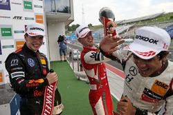 Podium: Dan Ticktum, Motopark Dallara F317 - Volkswagen, Mick Schumacher, PREMA Theodore Racing Dall