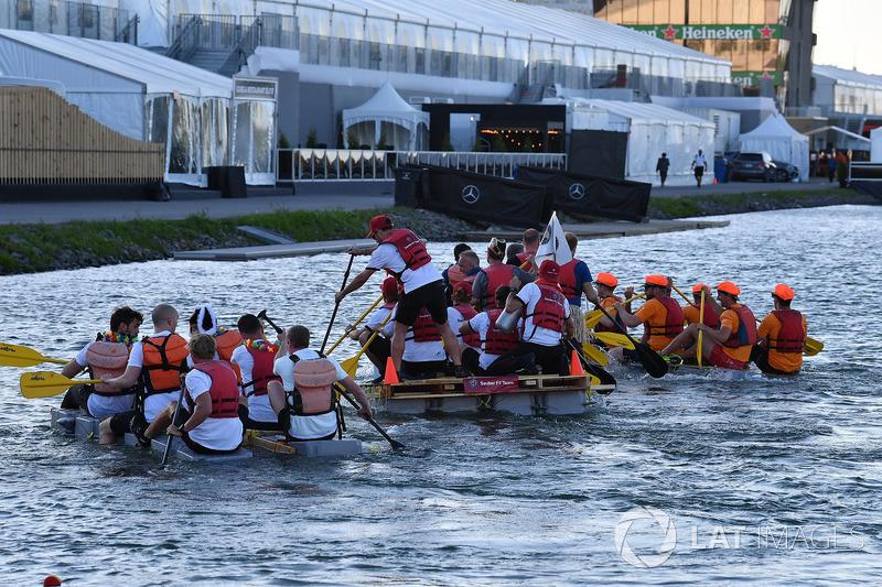 Sauber at the raft race