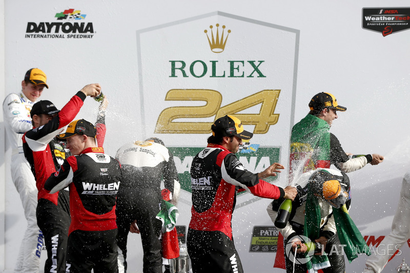 Victory lane, Champagne shower