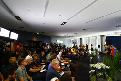 Sergio Perez, Force India, Nico Hulkenberg, Renault Sport F1 Team, Sebastian Vettel, Ferrari, e Brendon Hartley, Toro Rosso, affrontano i media nella conferenza stampa