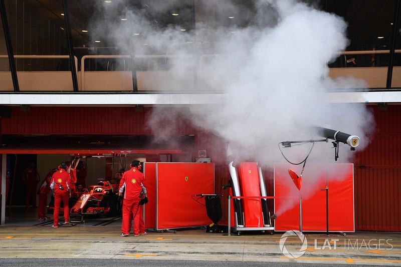Дим у боксах Ferrari