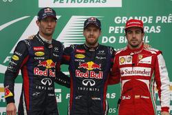 Podio: Ganador de la carrera Sebastian Vettel, Red Bull Racing, segundo lugar Mark Webber, Red Bull Racing, tercer lugar Fernando Alonso, Ferrari