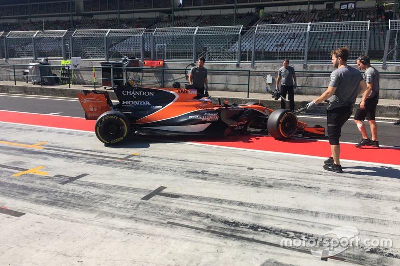 Stoffel Vandoorne, McLaren MCL32, McLaren