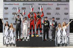 Подіум у класі PC: переможці Джеймс Френч, Пато О'Уорд, Performance Tech Motorsports