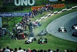 Crash: Eddie Cheever, Philippe Alliot, Stefan Johansson, Jo Gartner