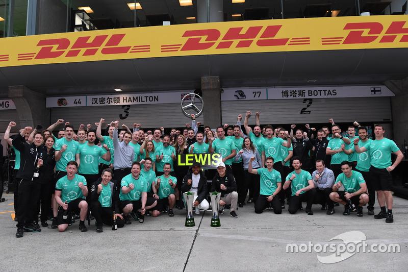 Yarış galibi Lewis Hamilton, Mercedes AMG F1 ve Valtteri Bottas, Mercedes AMG F1
