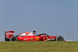 Kimi Raikkonen, Ferrari SF16-H con el Halo en el auto
