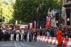 Fernando Alonso, McLaren, Stoffel Vandoorne, McLaren, Jolyon Palmer, Renault Sport F1 Team