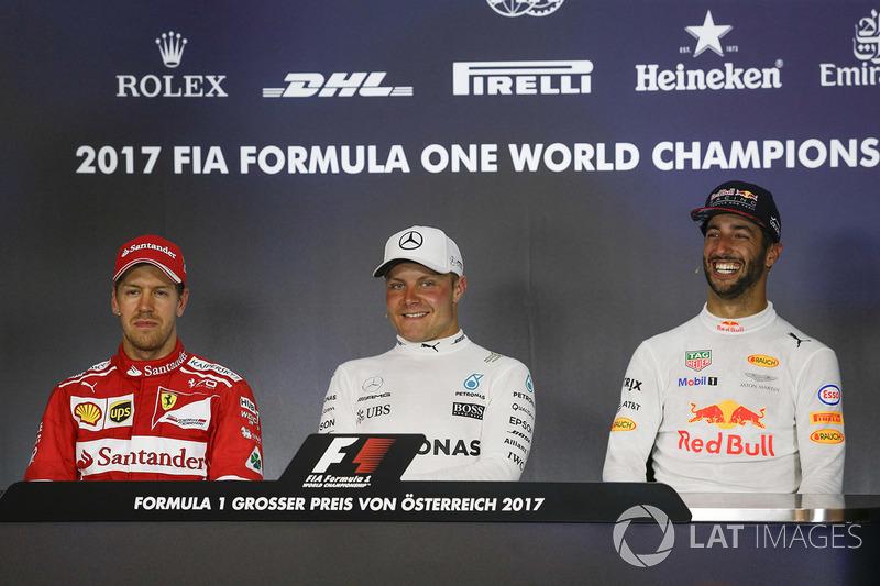 Прес-конференція: переможець гонки Валттері Боттас, Mercedes AMG F1, друге місце Себастьян Феттель,