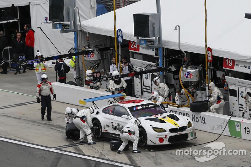 #19 BMW Team RLL BMW M6 GTLM: Bill Auberlen, Alexander Sims, Augusto Farfus, Bruno Spengler, pit act