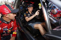 Max Verstappen, Red Bull Racing, Jamie Whincup, Triple Eight Race Engineering Holden, Shane van Gisb