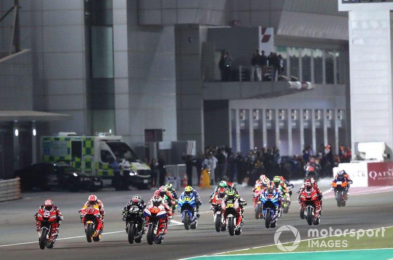 Start zum GP Katar in Losail der MotoGP-Saison 2019: Andrea Dovizioso, Ducati Team, führt