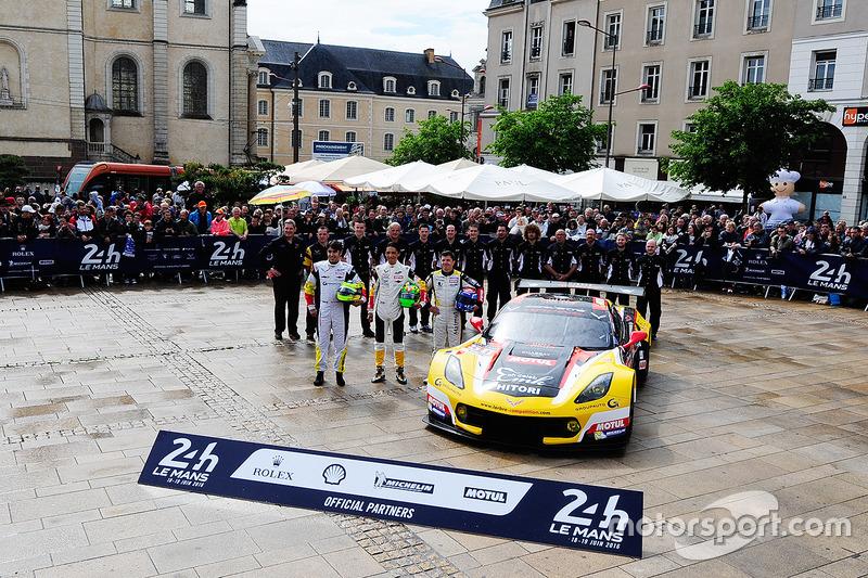 #50 Larbre Competition Chevrolet Corvette C7-R: Ютака Ямагісі, П'єрр Раг, Жан-Філіпп Белок