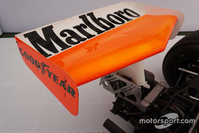 McLaren M23 guidata da Emerson Fittipaldi