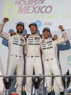 Победители гонки, #1 Porsche Team Porsche 919 Hybrid: Тимо Бернхард, Марк Уэббер и Брендон Хартли
