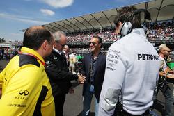 Frederic Vasseur, Renault Sport F1 Team Racing Director con Jerome Stoll, Renault Sport F1 President