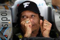 Emerson Fittipaldi porte sa bague d'IndyCar