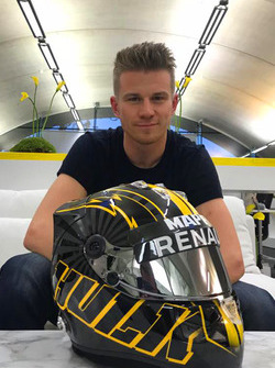 Nico Hulkenberg con su casco nuevo