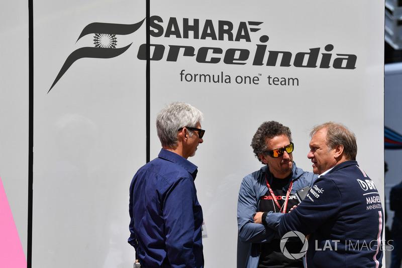 Ведущий Sky TV Дэймон Хилл, журналист Энтони Роулинсон и заместитель руководителя Sahara Force India F1 Роберт Фернли
