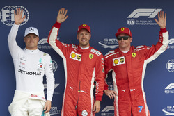 Valtteri Bottas, Mercedes AMG F1, polesitter Sebastian Vettel, Ferrari, en Kimi Raikkonen, Ferrari