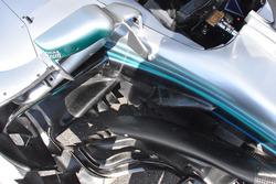 تفاصيل سيارة مرسيدس دبليو09