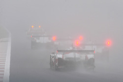 Safety car con la nebbia