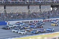 Brad Keselowski, Team Penske Ford, Kyle Larson, Chip Ganassi Racing Chevrolet, Brendan Gaughan, Beard Motorsports, Beard Oil Distributing Chevrolet SS